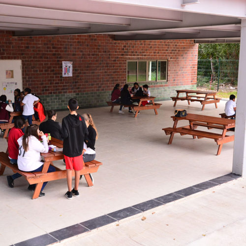 Área de Alimentos Colegio Lowry School Cancún